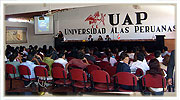 Conferencias en universidades a estudiantes